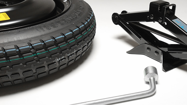 outils conserver dans votre voiture pour changer une roue. Black Bedroom Furniture Sets. Home Design Ideas